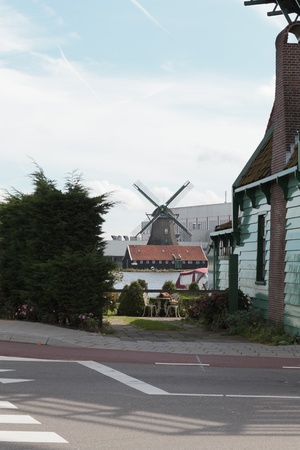 Amsterdm ZAaNSE SCHANS windmill Stock Photo - 12447597
