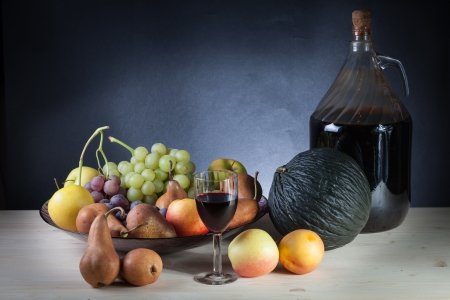 vine pear: Wine and fruit