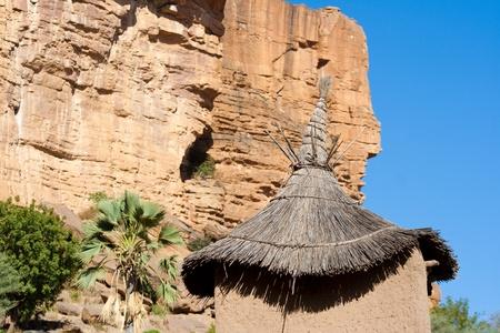 A Bandiagara meredek egy meredek lejtő a dogon ország Mali.The Dogon is legismertebb a mitológia, a maszk tánc, fából készült szobor és az építészet. Stock fotó