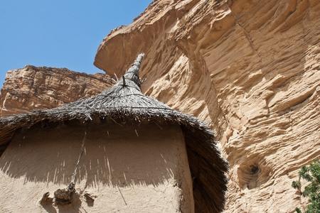 Magtárak egy dogon falu, Mali (Afrika). A dogon vannak legismertebb a mitológia, a maszk tánc, fából készült szobor és az építészet.