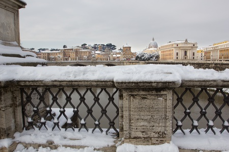 Rare snowfall in Rome. Febrary 4, 2012 - Rome (Italy), the rare cold leaves the Italian city Rome blanketed with snow. Editorial