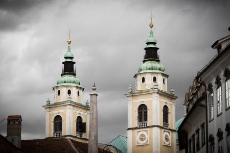 Ikertornyai Ljubljana székesegyház, Szlovénia Stock fotó