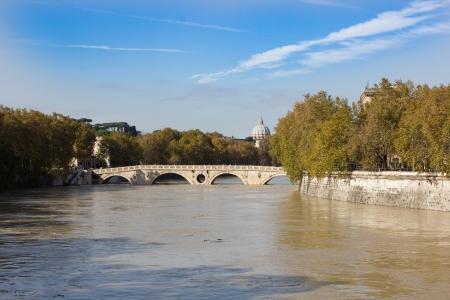 Tiber River and the footbridge Ponte Sisto, Rome, Italy