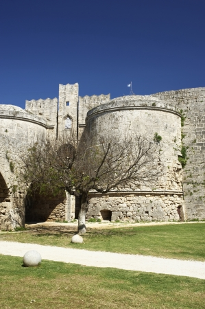 Walls to defend the city of Rhodos