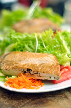 grilled salmon with fresh vegetables
