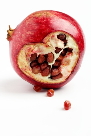 Heart of pomegranate Stock Photo - 17278798