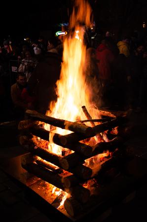 Big bonfire in a traditional folk festival Stockfoto