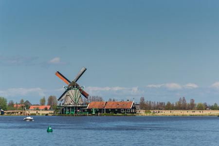 zaanse: Windmolens in Zaanse Schans Nederland