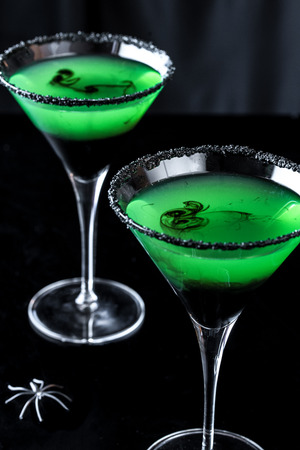 Apple Martini with Spider for a classy Halloween Cocktail