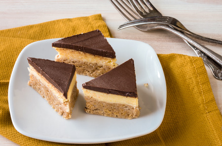Easy No Bake pudding cereal bars