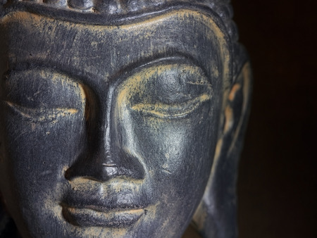 cabeza de buda: Buda cabeza Primer plano Foto de archivo