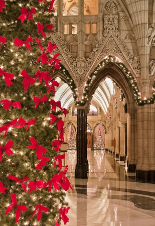 The canadian Parliament Hall of Honour decorated for the Holiday season.