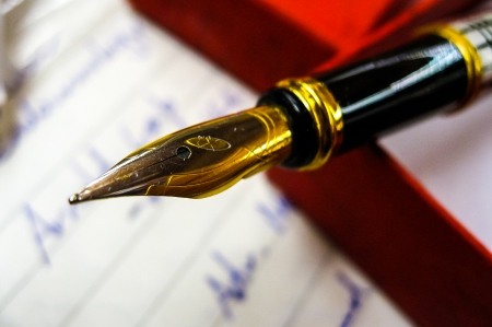 エレガントなゴールドのペン先で高級万年筆 写真素材