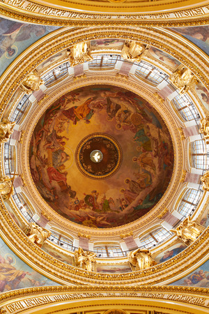 plafond: Fantastic painting of plafond Dome St. Isaacs cathedral. largest orthodox basilica Editorial