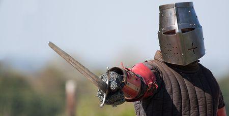 espadas medievales: Un caballero dispuesto a luchar