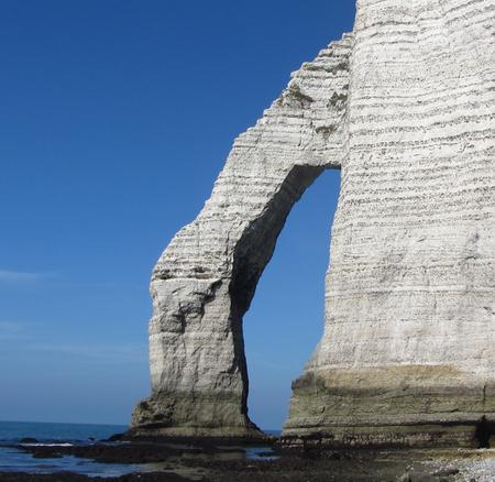 etretat france rocks occeoan cost landscape wallpaper
