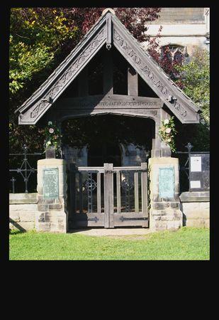 churchyard: Perlethorpe Church gateway