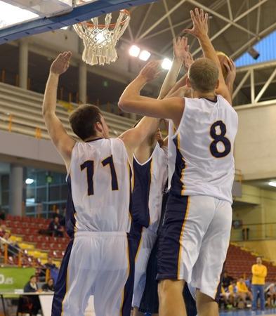 rebounding: Basketball players