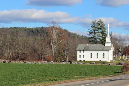 Witte kerk Stockfoto - 50240205