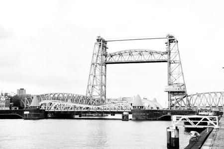 Zwart wit treinbrug rotterdam Stock Photo - 13339806