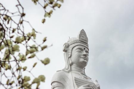 船岡城遺跡公園、柴田、東北、日本の山頂に船岡平和観音。 写真素材