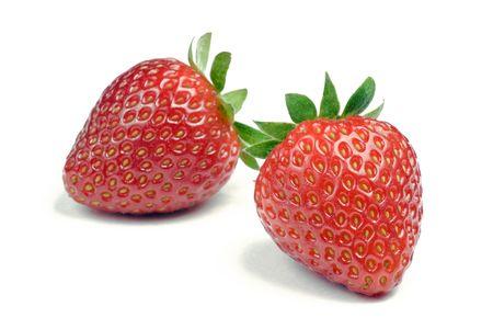 白い背景の上のイチゴ