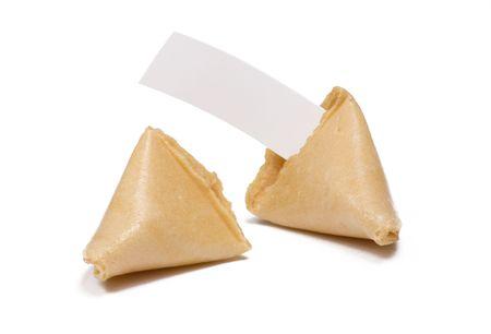 空白占いメッセージと白で分離された 2 つのフォーチュン クッキー 写真素材