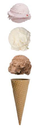 円錐形の上に浮かんでスクープとトリプル スクープ アイス クリーム コーン 写真素材