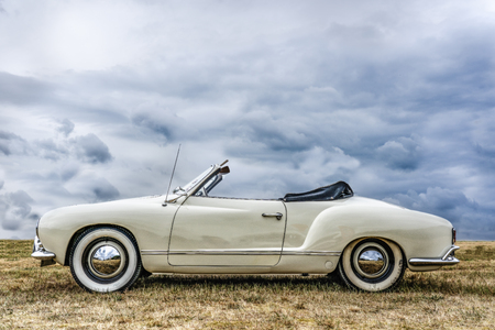 BOSSCHENHOOFD  NETHERLANDS - JUNE 17, 2018: white volkswagen convertible on display at an old timer and classic car meeting Redactioneel