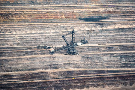 A lignite mine or lignite quarry is a open-cast mine where lignite is extracted. Brown coal mines are mainly known from Germany, Poland and the Czech Republic 免版税图像