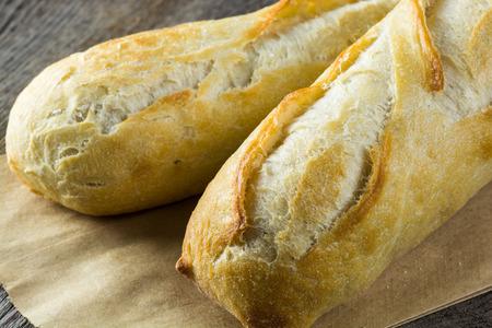 Close up de la baguette française fraîche.
