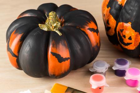 dynia: Zamknąć malowane dyni na Halloween.