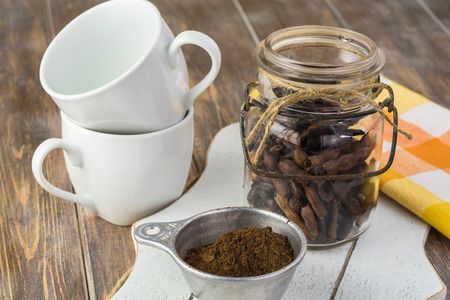 Close up of jar with homemade roasted mesquite bean and ground mesquite coffee for delicious coffee. 版權商用圖片