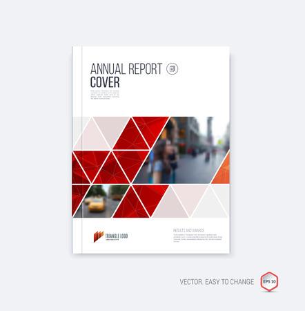 il layout modello di brochure, di copertura di relazione annuale, rivista, volantino o un opuscolo in formato A4 con forme geometriche su sfondo poligonale.
