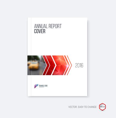 Brochure sjabloon lay-out, cover ontwerp jaarverslag, tijdschrift, flyer of boekje in A4 met rode dynamische pijlen en geometrische vormen op veelhoekige achtergrond. Vector illustratie.