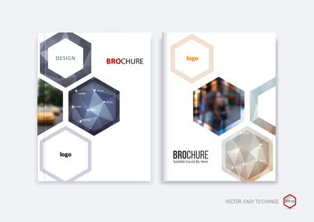 Abstract cover ontwerp, zakelijke brochure sjabloon lay-out, verslag, boekje in A4 met donkerblauw en beige zeshoekige geometrische vormen op veelhoekige achtergrond. Creatieve vector illustratie. Stock Illustratie
