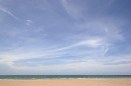 ''wide angle'': Beach view in wide angle.