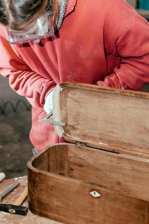 restauration: Furniture restauration process