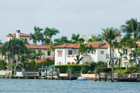 intercoastal: Luxurious waterfront mansions in Miami Beach