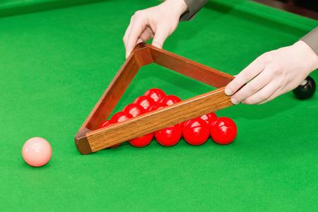 snooker balls: Arranging snooker balls