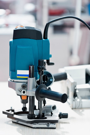 electronical: New tiltable multirouter machine