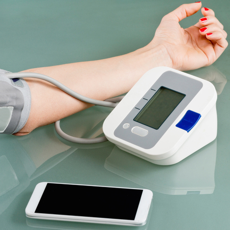taking pulse: Mobile health - Blood pressure gauge combined with smart phone