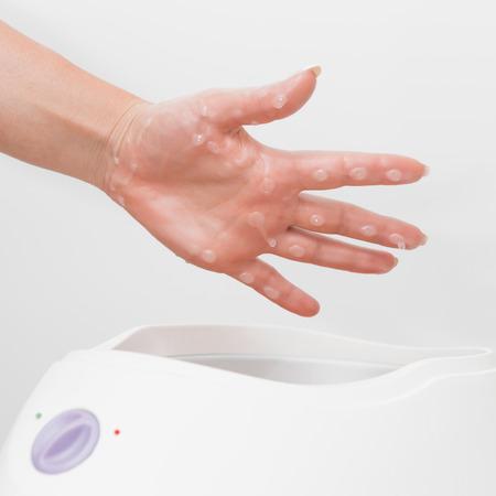 paraffin: Paraffin wax hand treatment