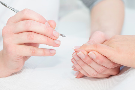cuticle pusher: Manicure work
