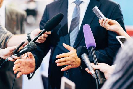 Medien-Interview mit Politiker oder Unternehmer