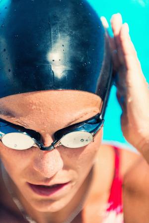 Close-up-Porträt der weiblichen Schwimmer