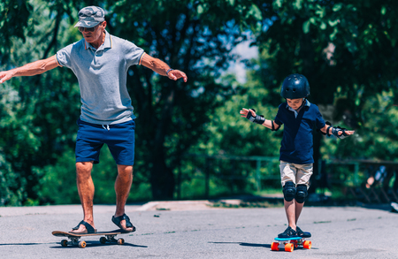 elbow pads: Skateboard lesson