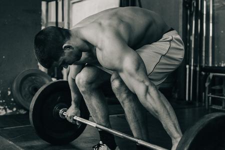 levantamiento de pesas: entrenamiento de pesas Foto de archivo