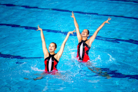 Synchronized Swimming Banque d'images