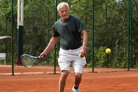 70s tennis: Senior tennis player